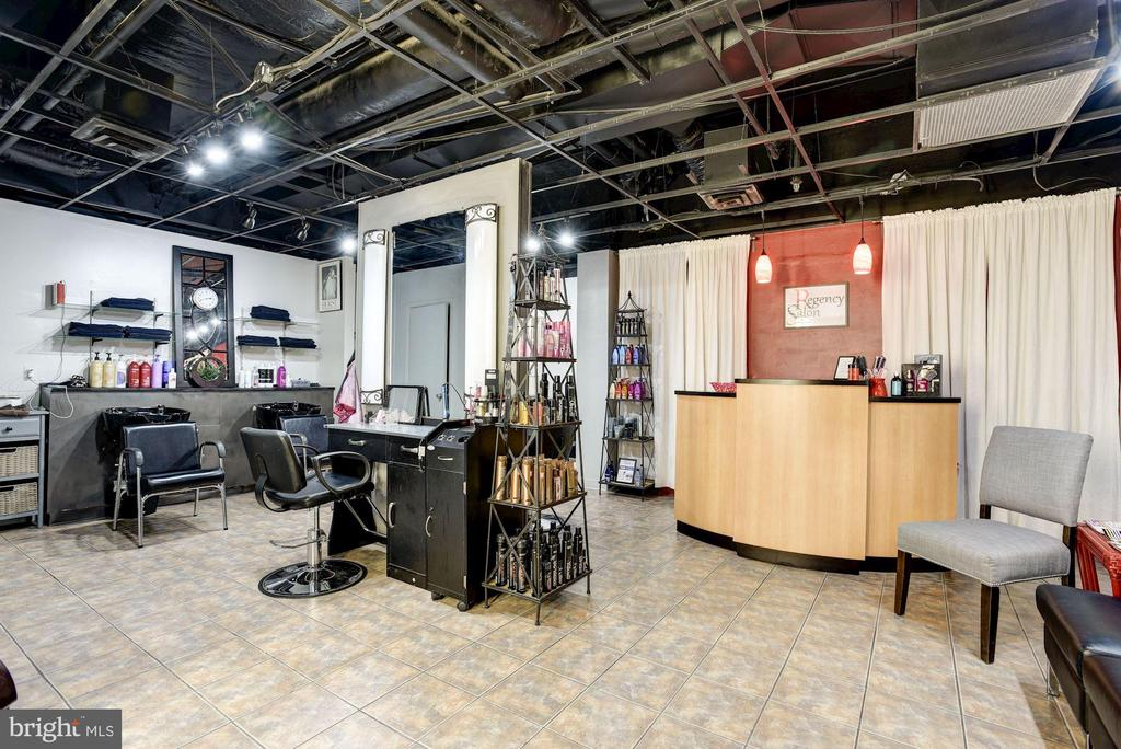 Need your hair done? on Site Beauty Salon - 1800 OLD MEADOW RD #1106, MCLEAN