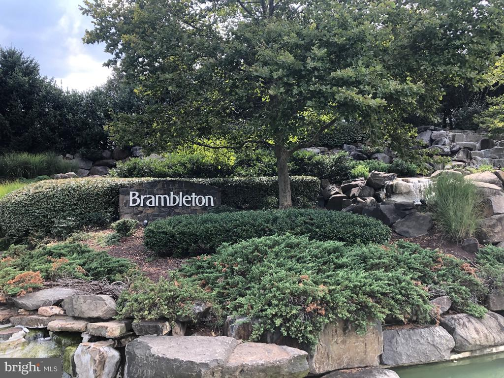 Located in award-winning Brambleton - 23398 EPPERSON SQ, BRAMBLETON