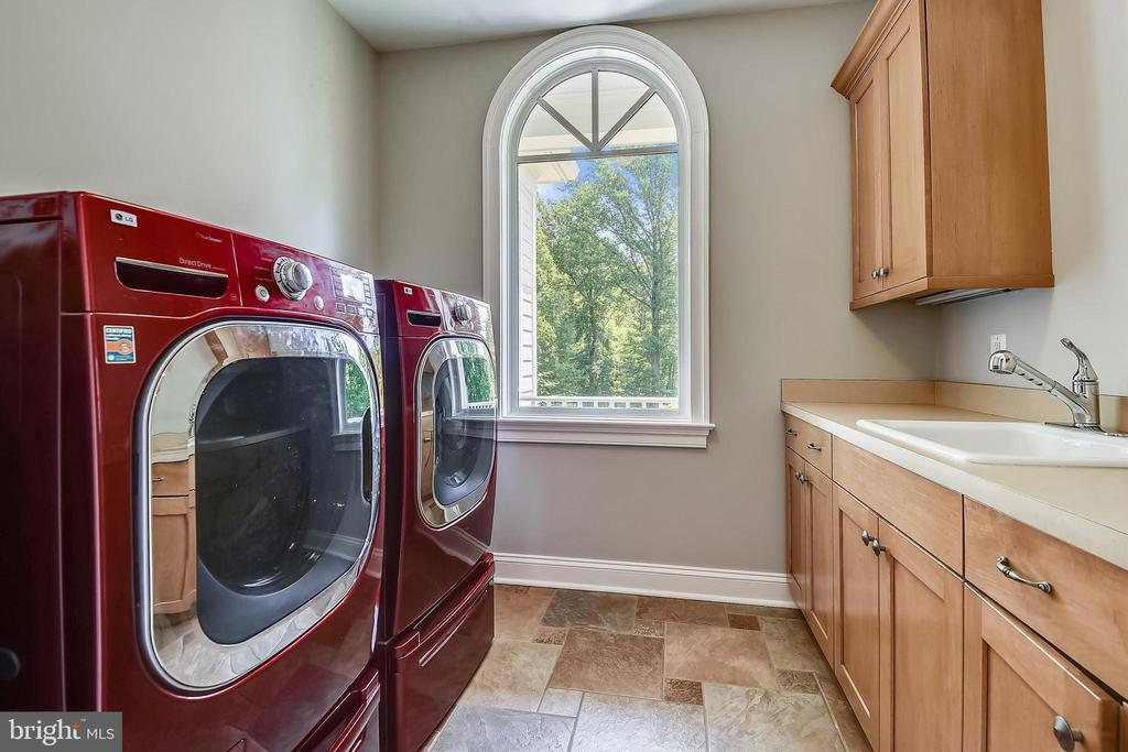 Laundry Room Upstairs - 6811 CLIFTON RD, CLIFTON