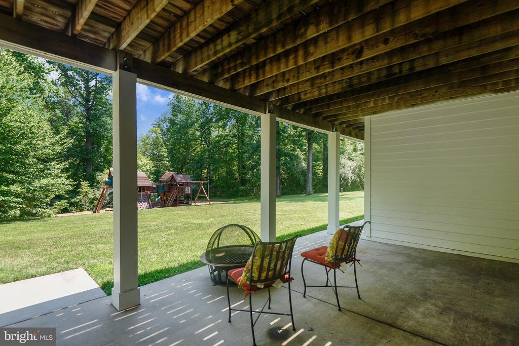 Covered Patio - 6811 CLIFTON RD, CLIFTON