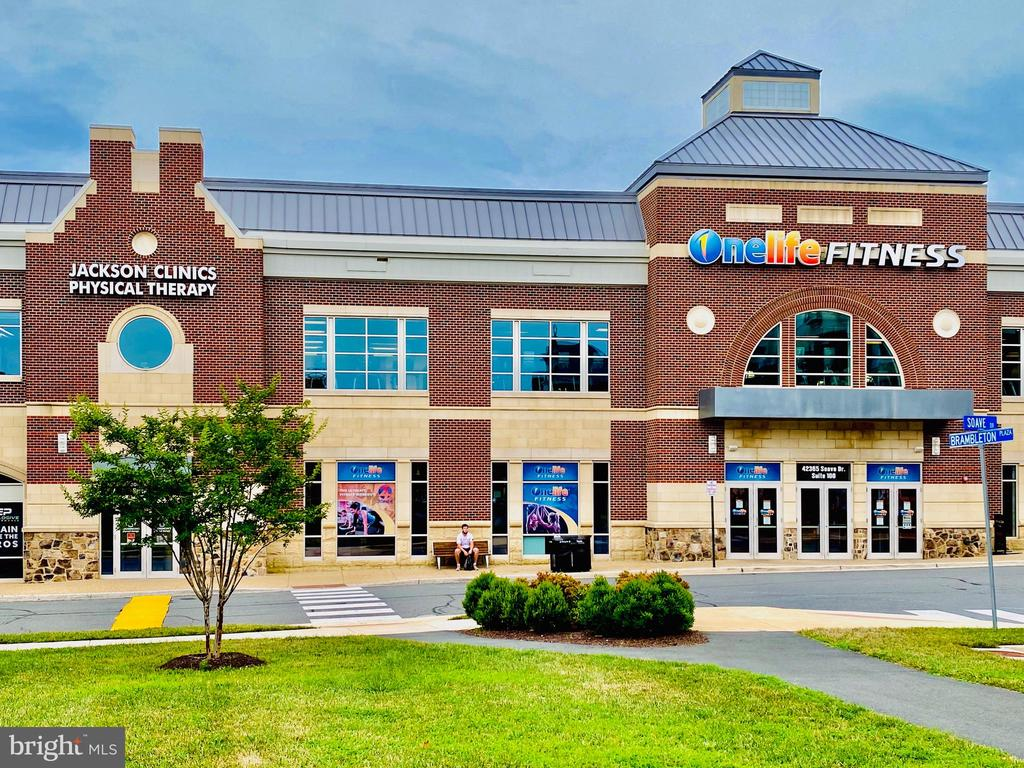 OneLife Fitness at Brambleton Town Center - 23398 EPPERSON SQ, BRAMBLETON