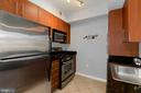 Stainless steel appliances! - 1021 N GARFIELD ST #323, ARLINGTON