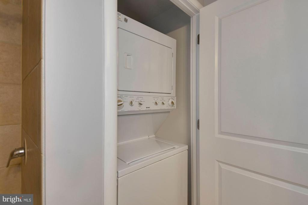 Washer/dryer - 1021 N GARFIELD ST #323, ARLINGTON