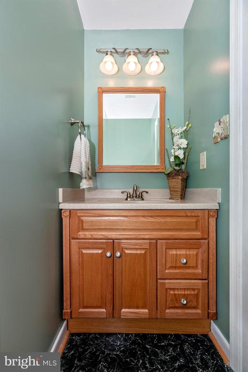 Lower Level Powder Room - 2022 MALVERN WAY, FREDERICK