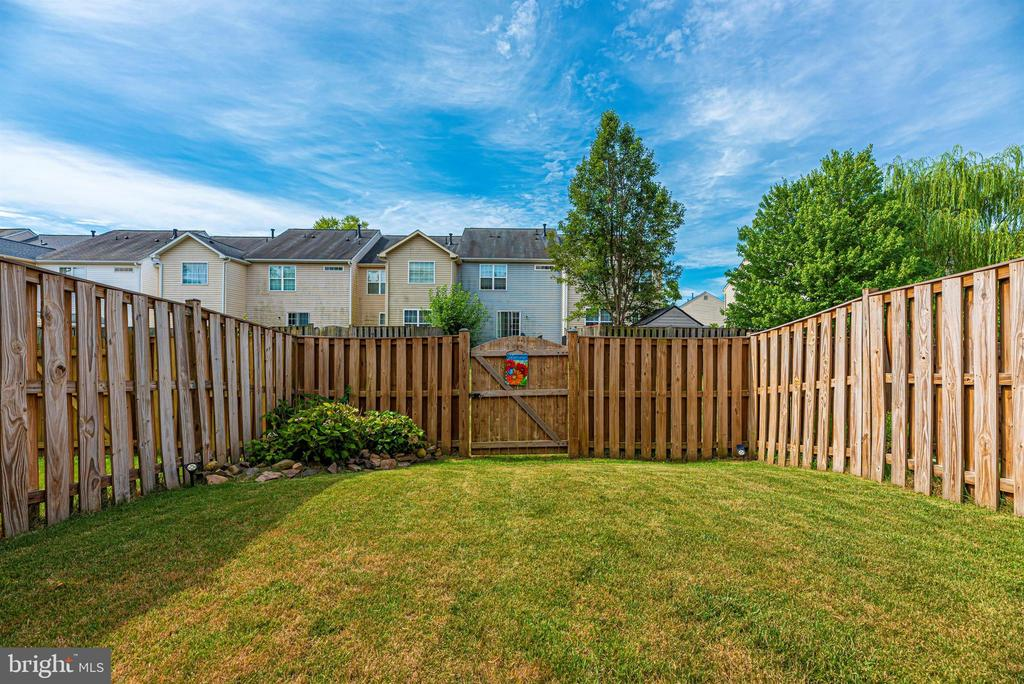 Fully Fenced Backyard - 2022 MALVERN WAY, FREDERICK