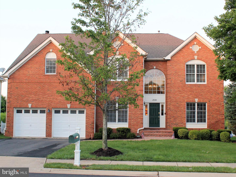 Single Family Homes vì Bán tại Ashburn, Virginia 20147 Hoa Kỳ