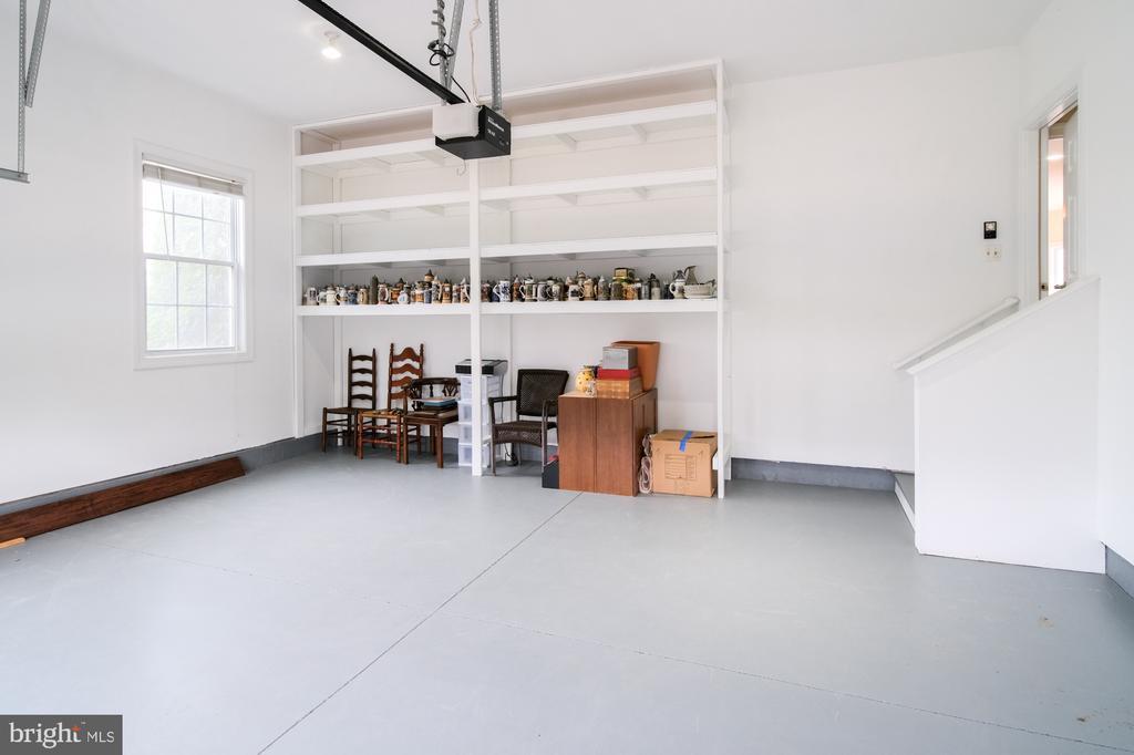Garage storage - 2516 1ST RD S, ARLINGTON