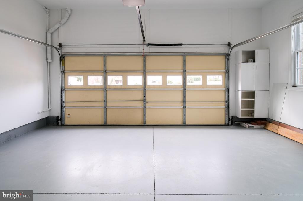 two car garage - 2516 1ST RD S, ARLINGTON