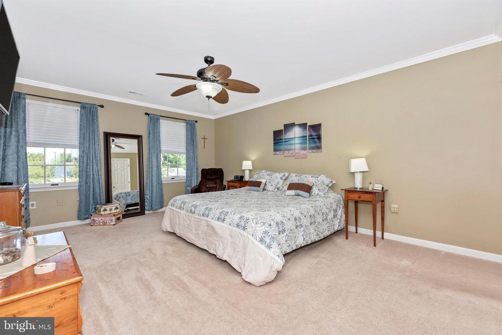 Master Bedroom Suite - 18 GRAY FOX CT, MIDDLETOWN