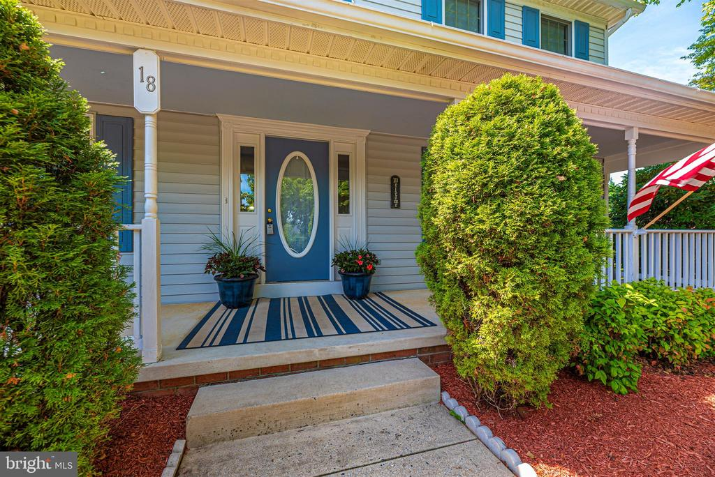 Located on a cul-de-sac - 18 GRAY FOX CT, MIDDLETOWN