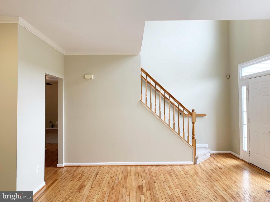 Formal living room - 43193 CARDSTON PL, LEESBURG