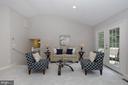 UL Master Suite Sitting Area - 4124 HUNT RD, FAIRFAX