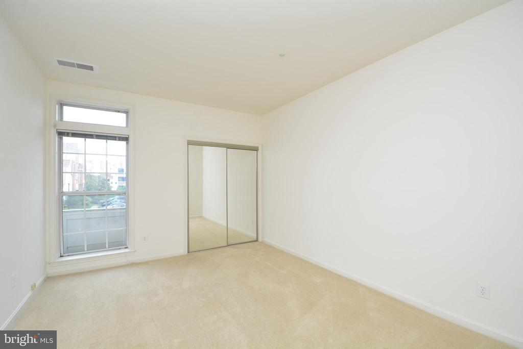 A view of the second bedroom. - 7004 ELLINGHAM CIR #45, ALEXANDRIA
