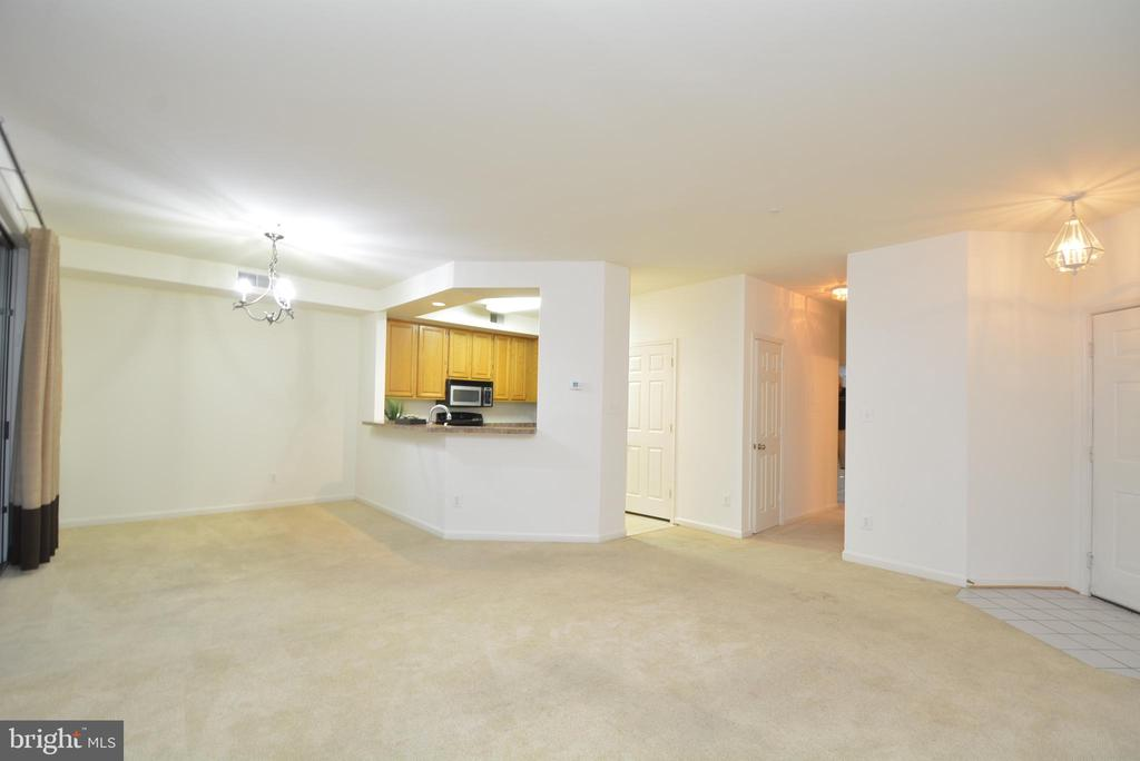 Still another view - 7004 ELLINGHAM CIR #45, ALEXANDRIA