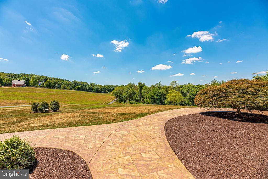 Breathtaking views - 12788 BARNETT DR, MOUNT AIRY