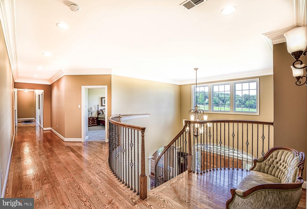 Upstairs hallway - 12788 BARNETT DR, MOUNT AIRY