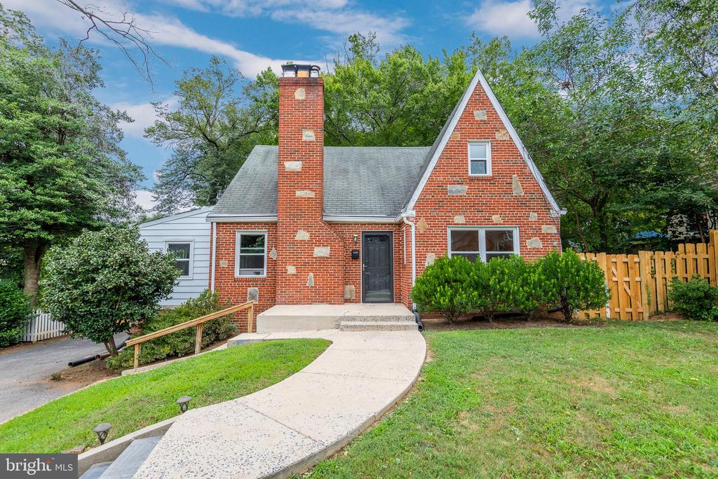 Brick Cape Cod w Stone - Front Face - 9115 FLOWER AVE, SILVER SPRING