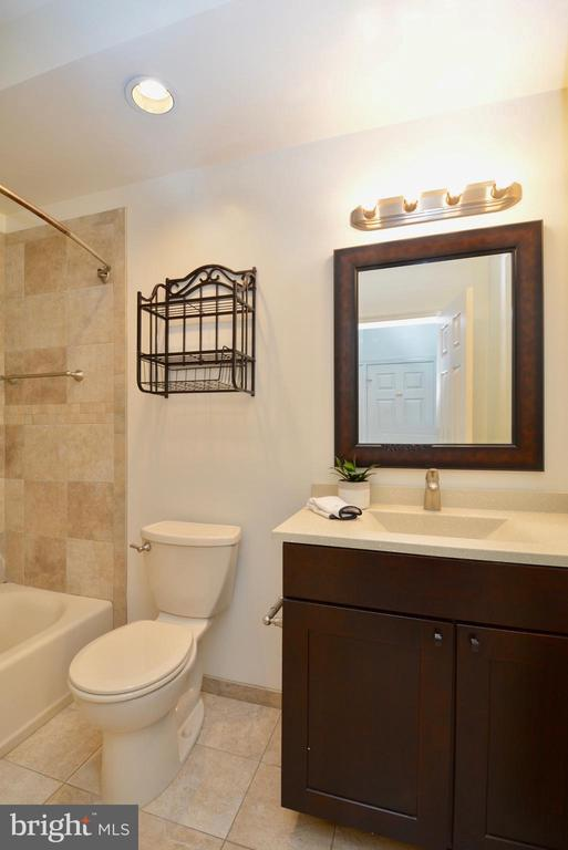 Another view of master bathroom - 7004 ELLINGHAM CIR #45, ALEXANDRIA