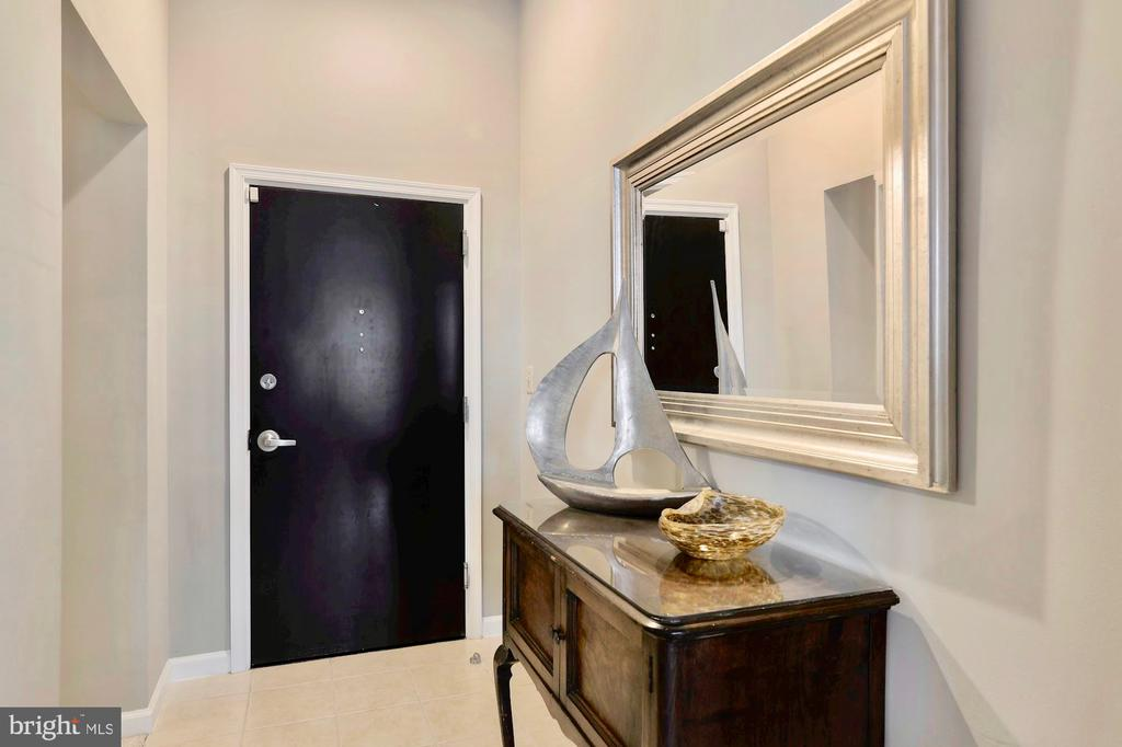 Entry with hallway to laundry & master suite 1 - 309 HOLLAND LN #215, ALEXANDRIA