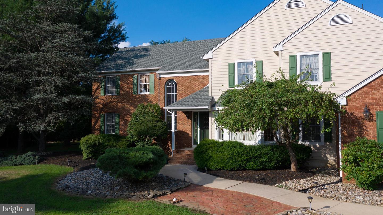 Single Family Homes pour l Vente à Chesterfield, New Jersey 08515 États-Unis