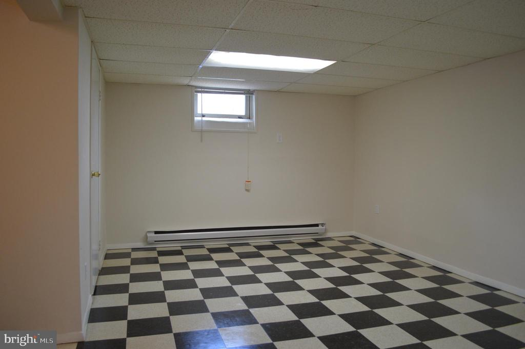 Open recreation room View #1 - 4712 EDGEWOOD RD, COLLEGE PARK