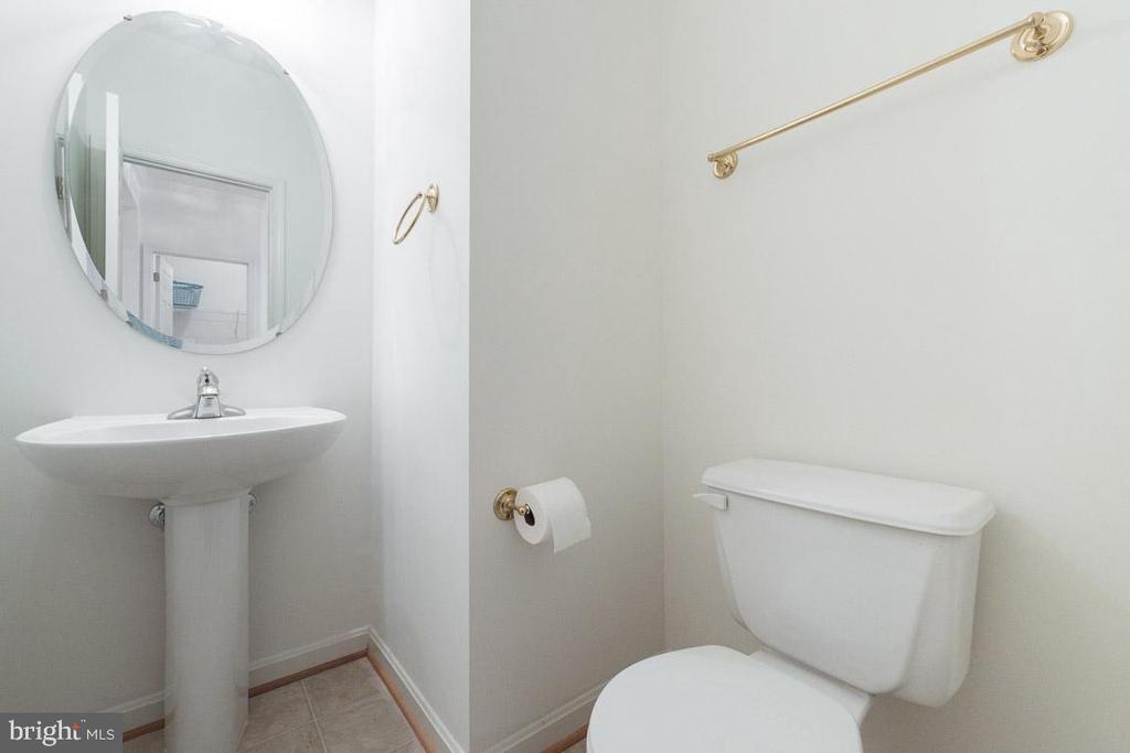 Bathroom - 5302 WALDO DR, ALEXANDRIA
