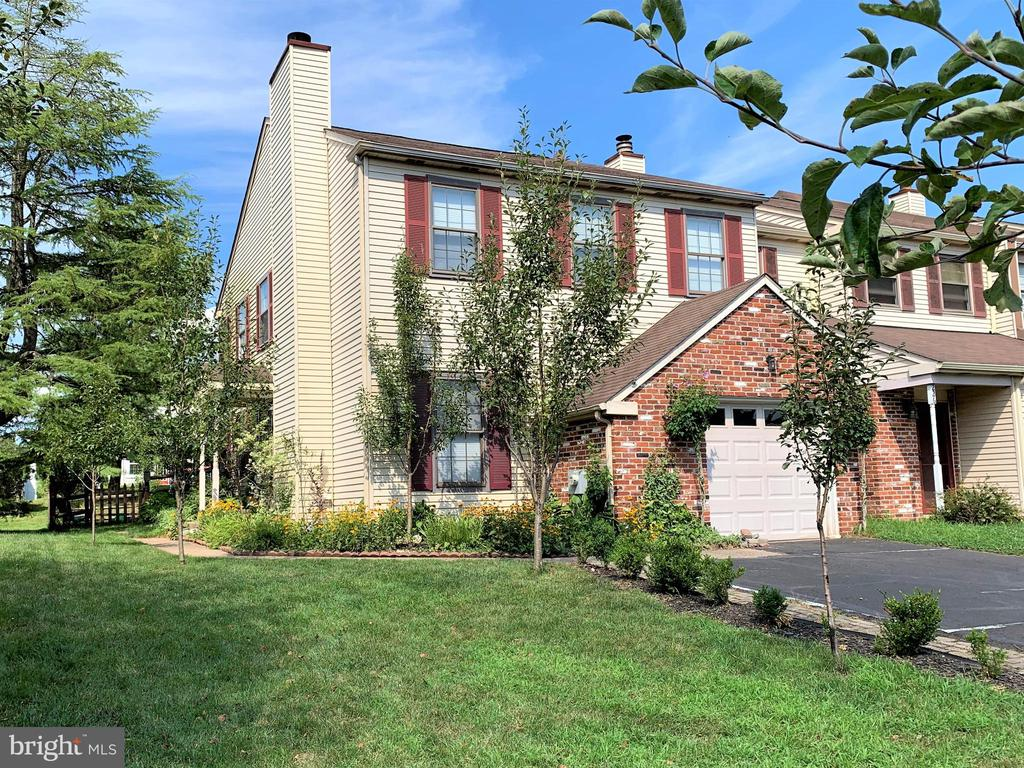 228 PARKVIEW WAY, Newtown PA 18940