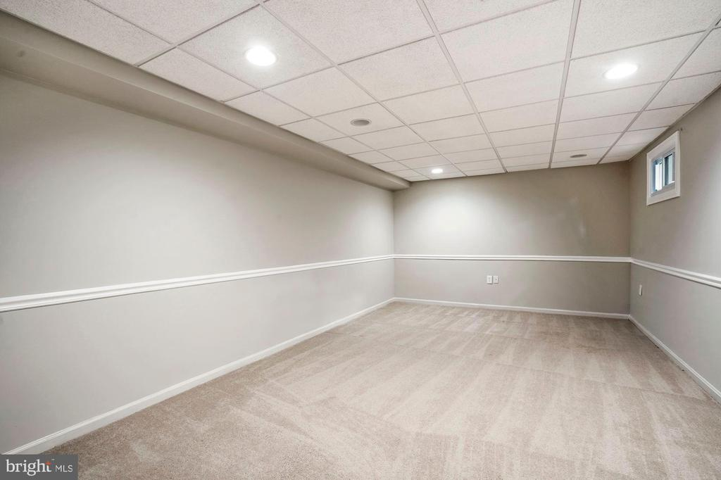 Office/Den/Extra Room - Lower Level - 7783 BALLSTON DR, SPRINGFIELD