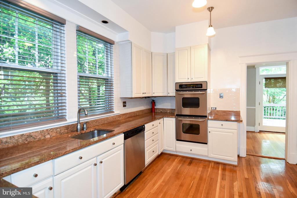 Spacious kitchen  with granite and ss appliances - 5603 16TH ST NW, WASHINGTON