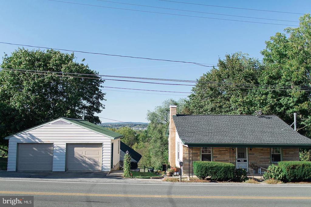 331 OWL HILL RD, Lititz PA 17543