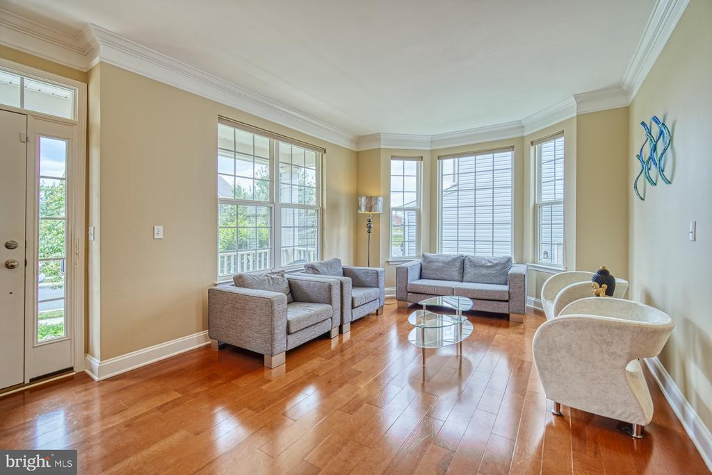 Living Room with Upgrade Option of Bay Window - 42105 AUTUMN RAIN CIR, BRAMBLETON