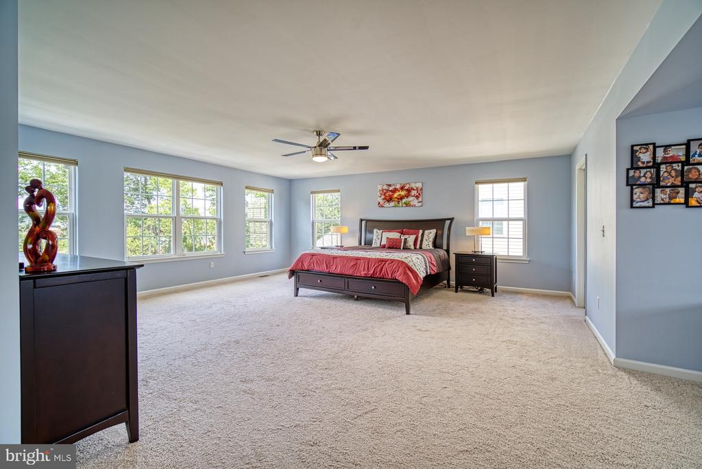 4 Foot Extension Upgrade for Master Bedroom - 42105 AUTUMN RAIN CIR, BRAMBLETON