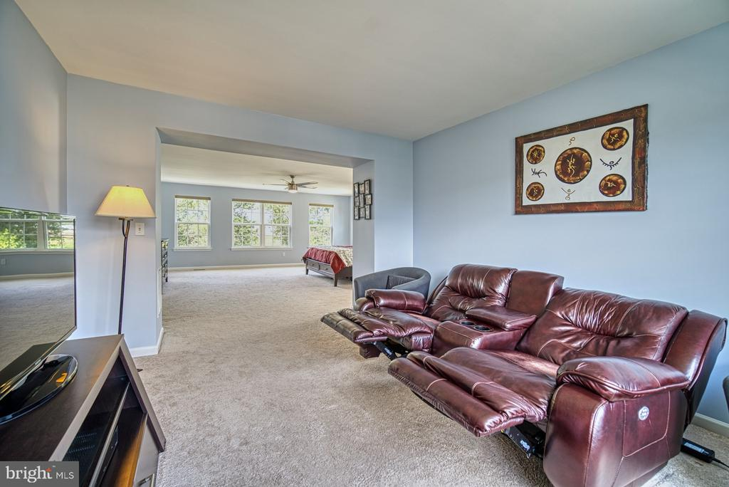 Master Suite Sitting Room - 42105 AUTUMN RAIN CIR, BRAMBLETON