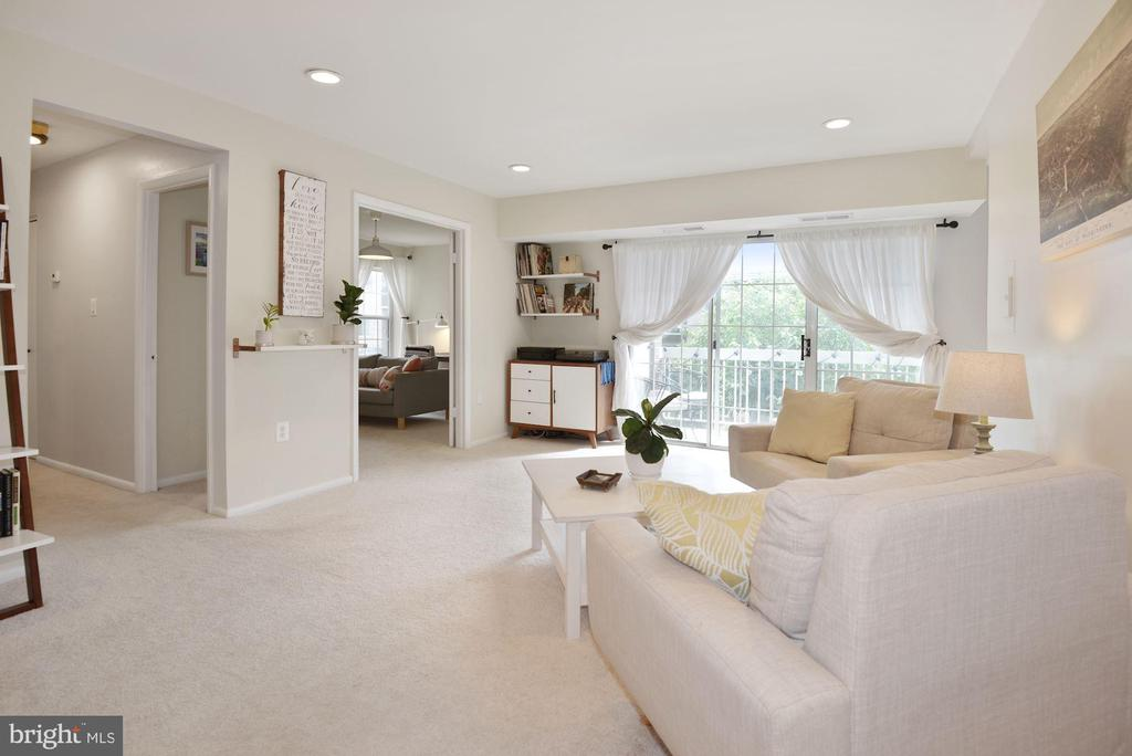 This Home Shows Like a Magazine Cover Spread! - 1931 WILSON LN #102, MCLEAN