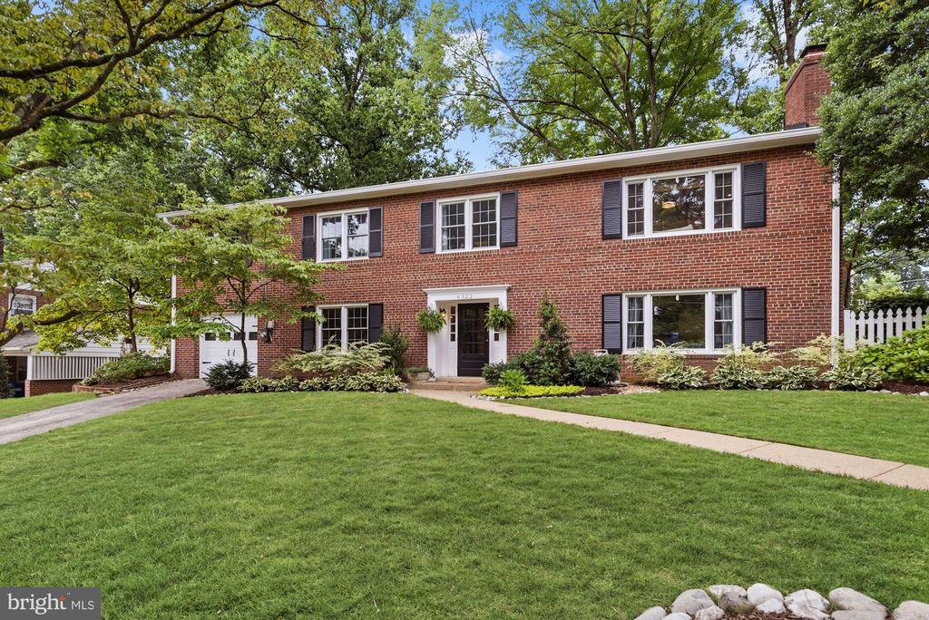 Front - 6322 ANNELIESE DR, FALLS CHURCH