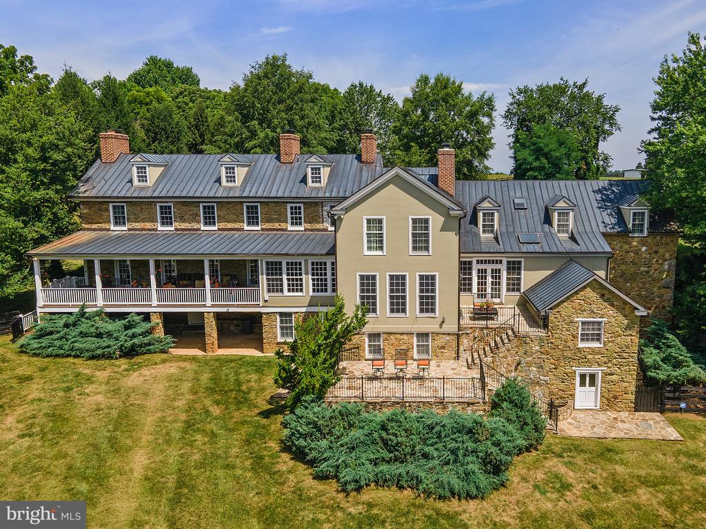 Aerial view of rear - 19200 ORCHARD MANOR LN, LEESBURG
