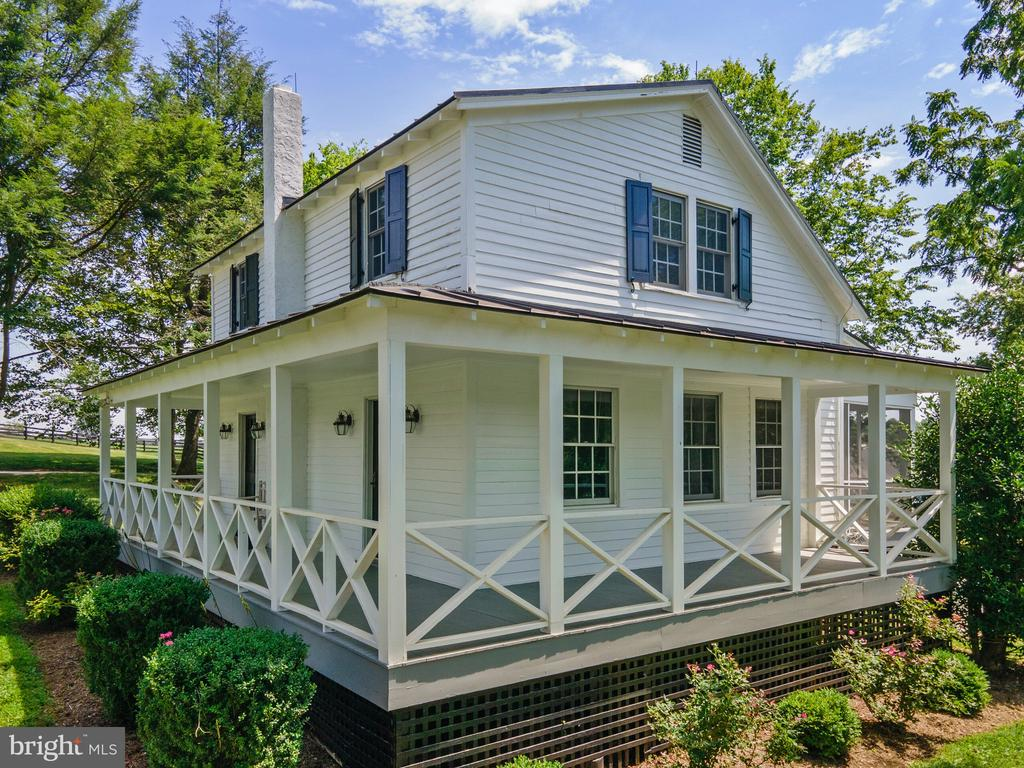 2 BR Cottage for guests or stable help - 19200 ORCHARD MANOR LN, LEESBURG