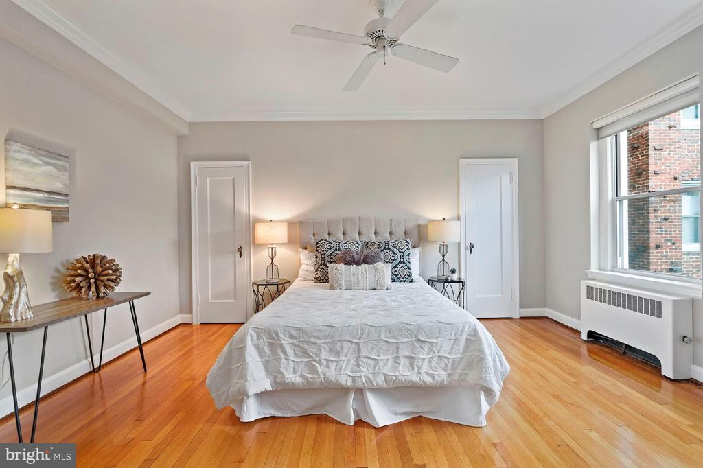 Spacious 2nd Bedroom with Two Closets - 3601 CONNECTICUT AVE NW #601, WASHINGTON