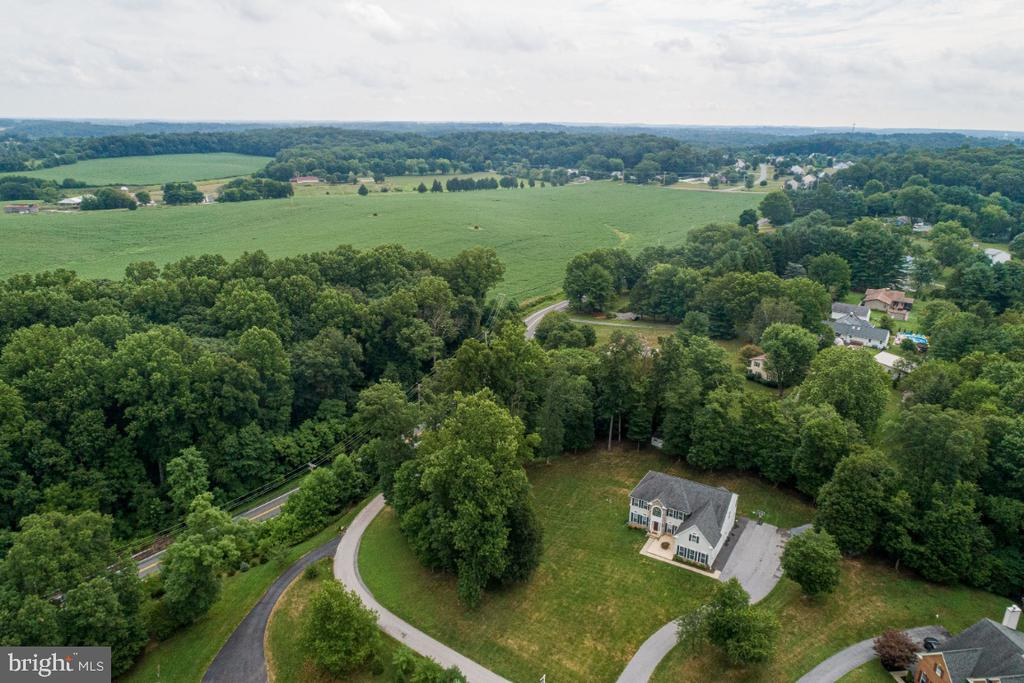 Aerial view of property & surrounding countryside - 492 CRUSADER DR, SYKESVILLE