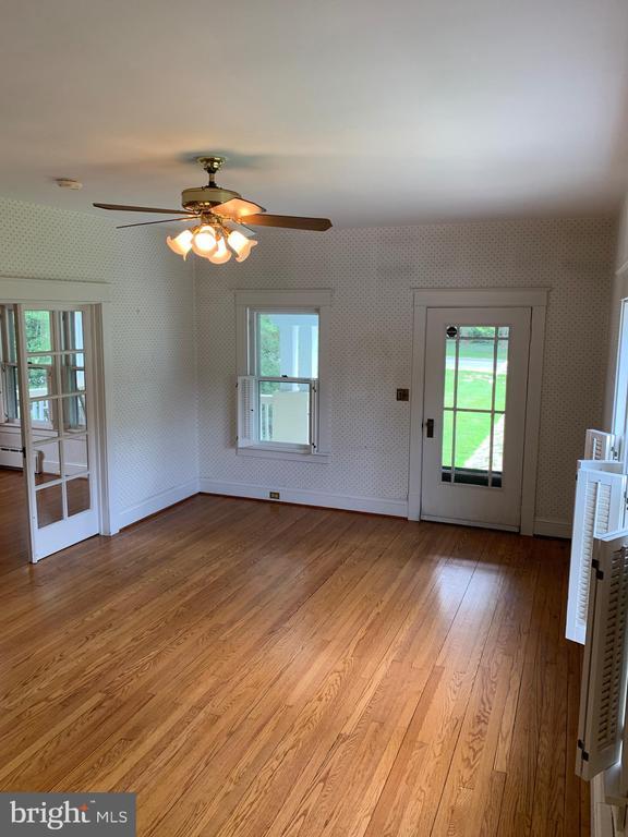 Living Room - 600 W WASHINGTON ST, MIDDLEBURG