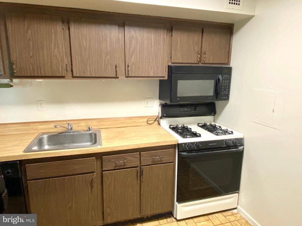 Kitchen - 2616 FORT FARNSWORTH RD #246, ALEXANDRIA
