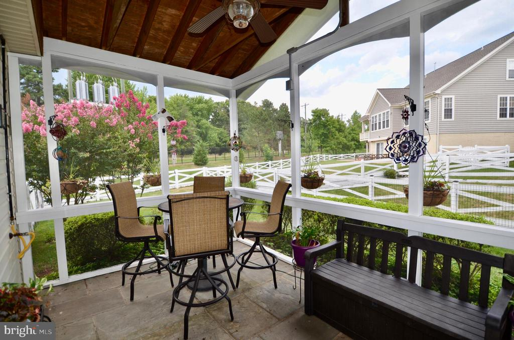 Newly screened in porch - 6290 SETTLERS TRAIL PL, GAINESVILLE
