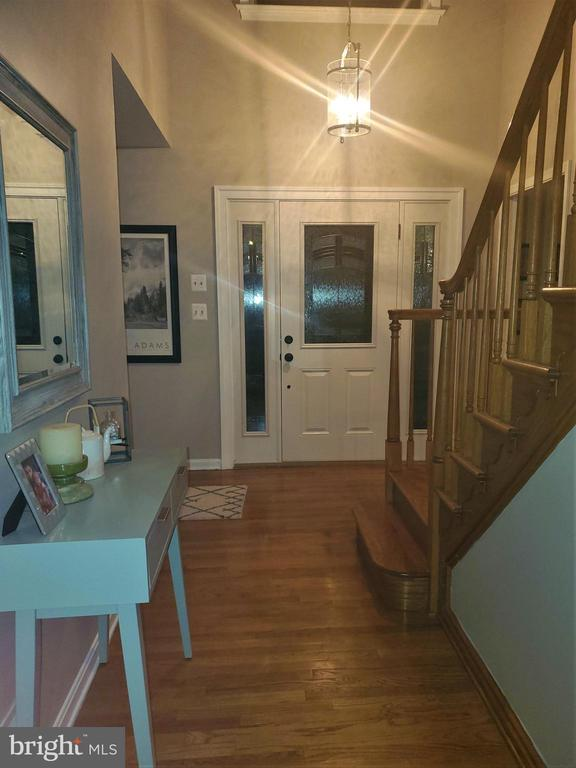 Entry foyer, view 3 - 5520 BOOTJACK DR, FREDERICK
