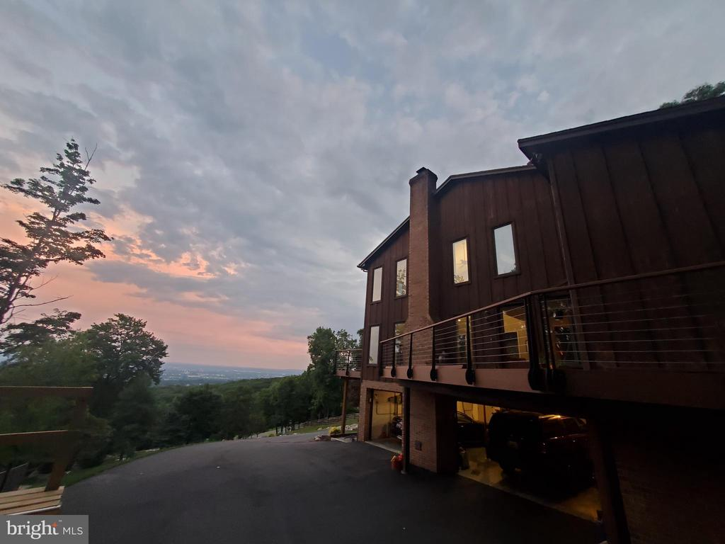 Peace and tranquility - 5520 BOOTJACK DR, FREDERICK
