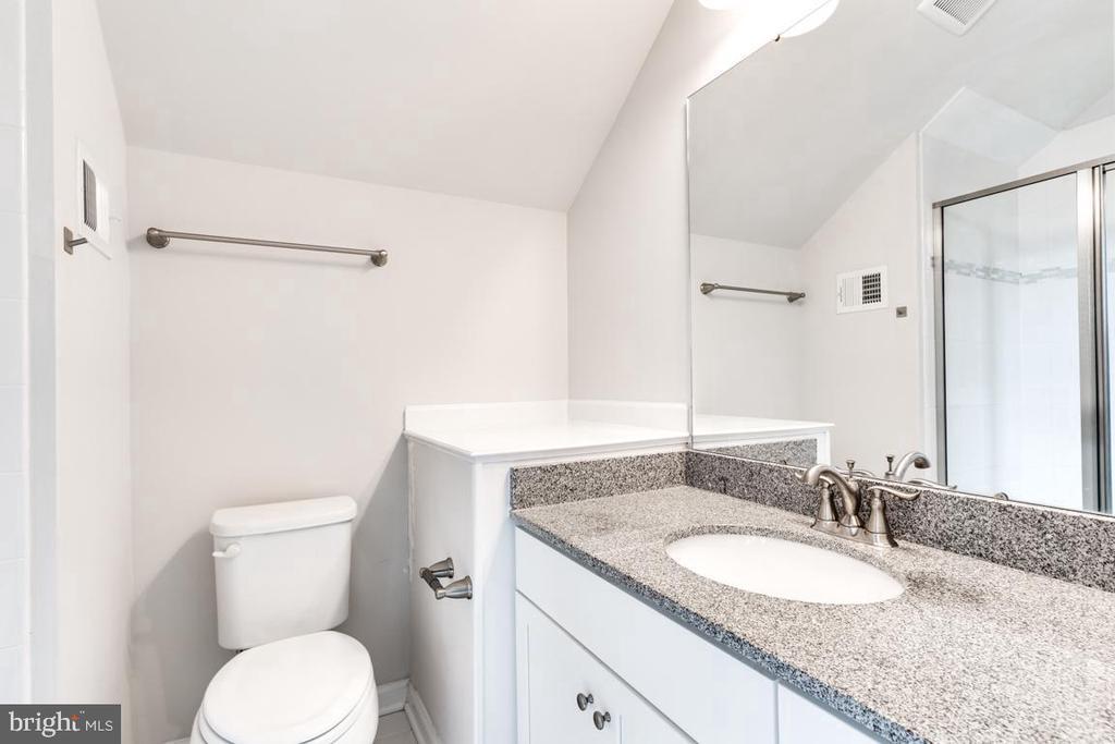 Loft Bathroom - 4509 MONROVIA BLVD, MONROVIA