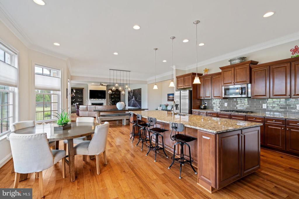 Space for everyone! - 41932 CLOVER VALLEY CT, ASHBURN