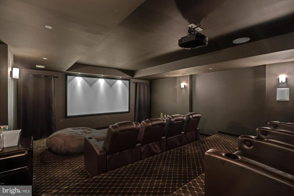 State-of-the-art Dolby ATMOS theatre 7.2.4 - 41932 CLOVER VALLEY CT, ASHBURN