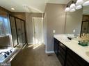 Deluxe Master Bath - 15607 GREAT BRIDGE LN, CULPEPER