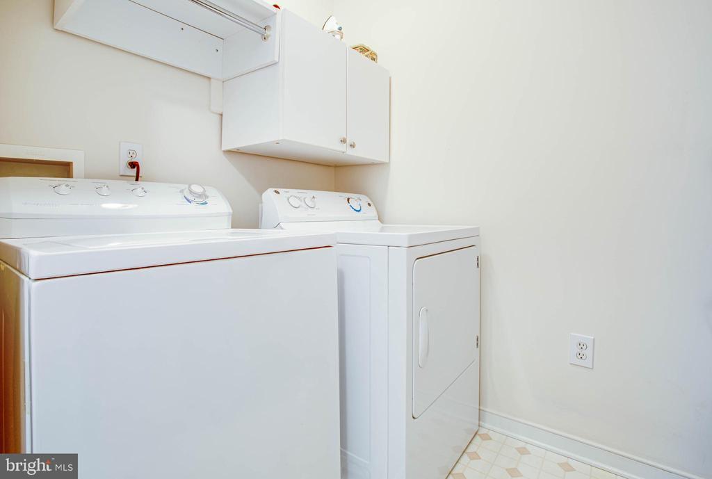 Bedroom level separate laundry room - 10809 STACY RUN, FREDERICKSBURG