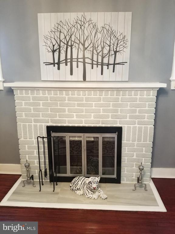 Fire place - 4912 ARKANSAS AVE NW, WASHINGTON